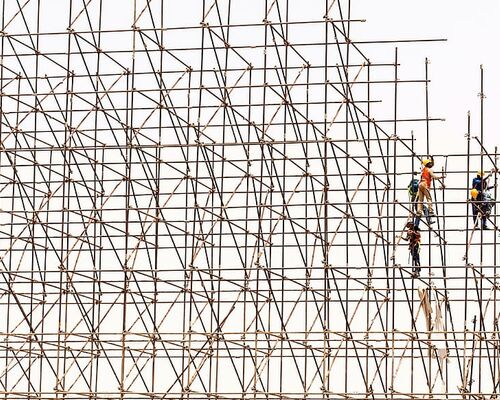 scaffolding-workers-construction-site
